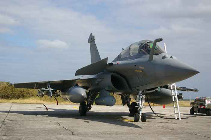 Rafale-Combat_aircraft