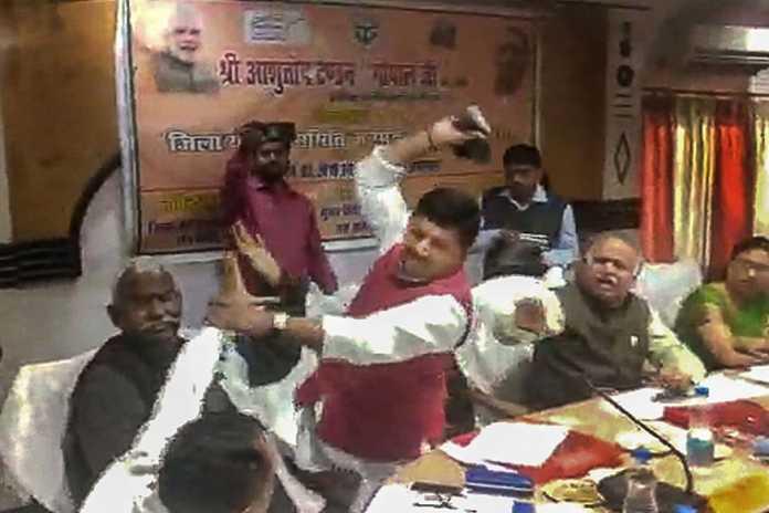 UP-BJP-MP-MLA-FIGHT