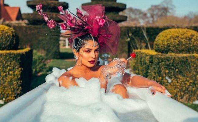priyanka chopra glam bath