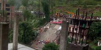 building collepsed in solan