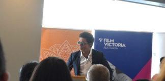 SRK delivers a speech