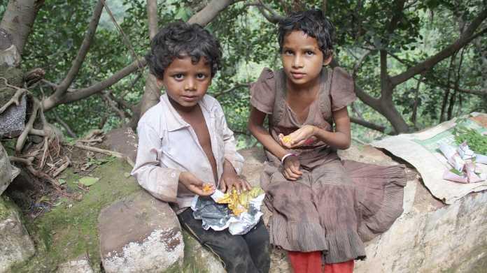 Child-beggar-in-India
