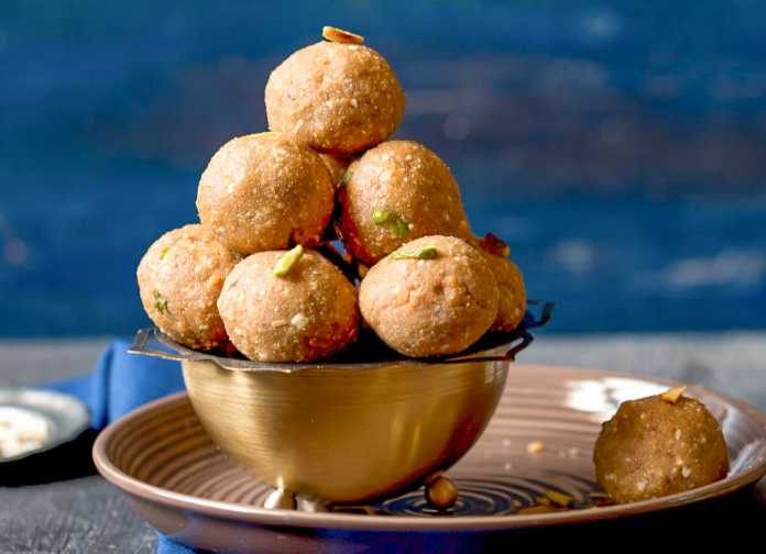 sonth_Ke_Ladoo_Recipe-1